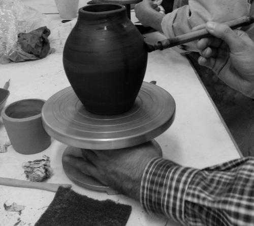 Taller de cerámica para ancianos